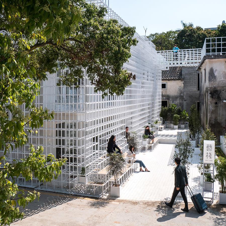 https://www.dezeen.com/2017/04/15/latticed-framework-seating-aether-architects-shenzhen-hotel-cultural-centre-china/